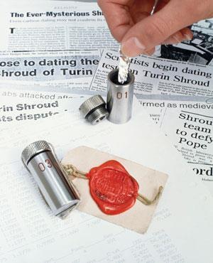 Radiocarbon dating turin shroud display