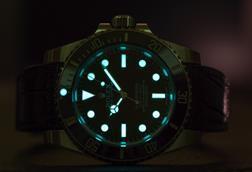 Rolex submariner, dial glowing in the dark