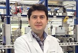 A photograph of Javier García-Martínez in the lab