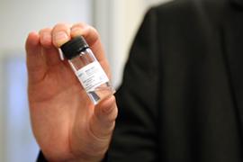 Rein Ulijn with vial of gel