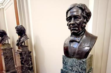 Bust of Faraday at Burlington House, London