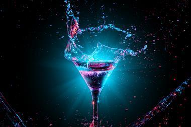 Cocktail glass splashing