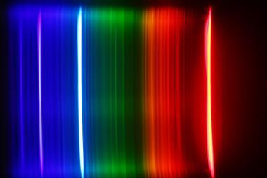 Atomic spectra of hydrogen gas as observed through a diffraction grating