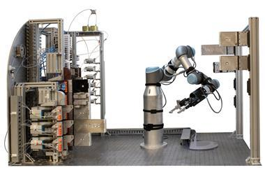 Robotic flow chemistry platform