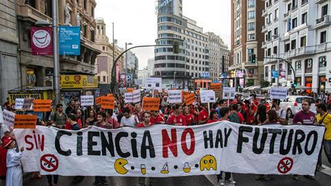 Spanish scientists protest