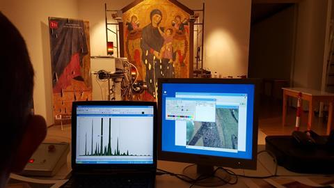 close up of the XRF equipment remote control system during the analyses carried out on the Cimabue's Maestà