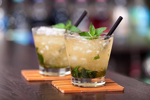 Mint julep cocktails on bar