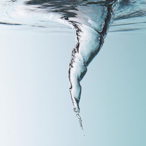 Water swirling vortex