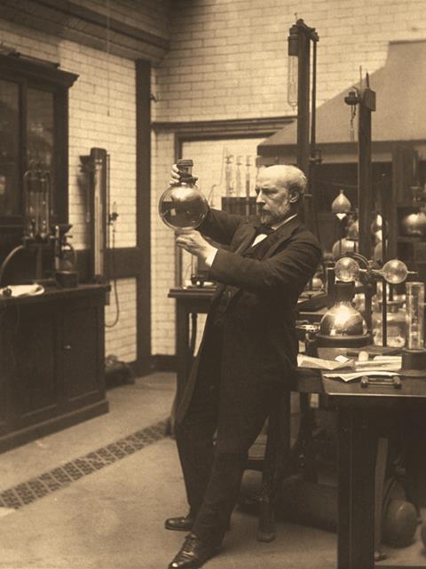 James Dewar in lab - Main