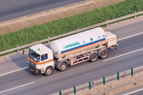 linde praxair merger shutterstock 343189955