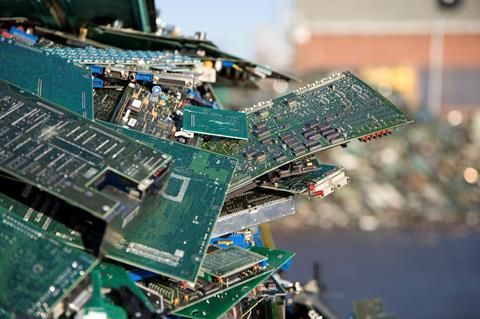CW0417 - Smart phone feature - Circuit boards for recycling