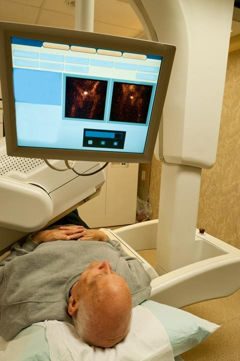 Gamma camera bone scan patient vertical