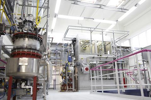 1 metalorganic precursors production line