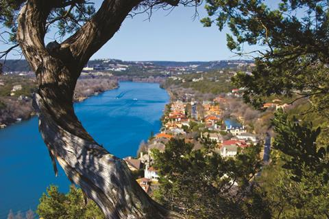 0318CW - Location guide - Mount Bonnell viewing point in Austin, Texas