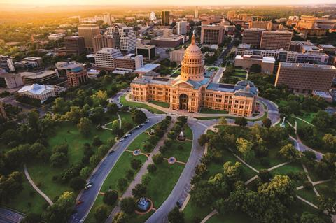 0318CW - Location guide - Capitol building & city skyline in Austin, Texas