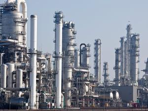 Chemical-plant_iStock_000016171899_300tb