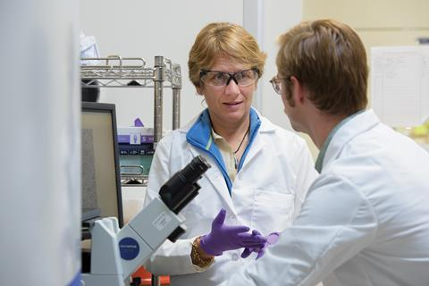 Carolyn Bertozzi in the lab