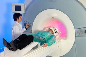 FEATURE-MRI-300
