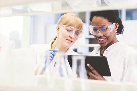 0318CW - Careers Leader - Science lab co-workers