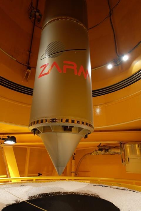 Microgravity drop capsule