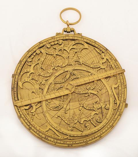 0218CW - Comment - Astrolabe, a form of astronomical calculating device