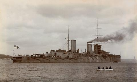 HMS Queen Mary leaving the River Tyne on sea trials